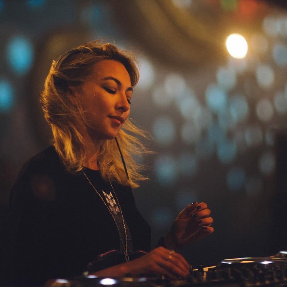 Lauren Lane - DHA Mix 261 - 28-01-2017