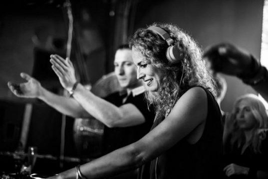 Mixing DJ - Live DJ Sets & DJ Mixes to Listen and Download